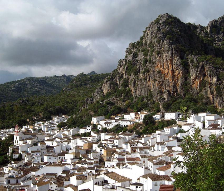Villa Sierra Apartments: Sierra De Las Nieves And Grazalema